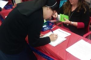 Sr. Eliane becomes a USA citizen